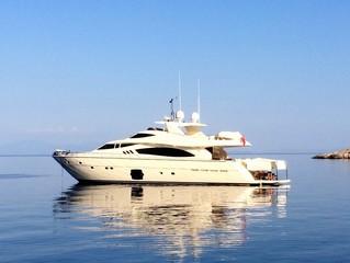 Luxus Yacht am Meer
