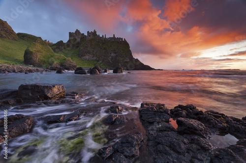 Foto op Canvas Water Dunluce Castle II
