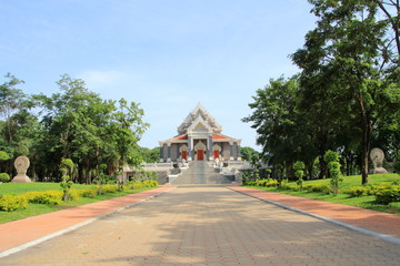 temple at wat chujit thummaram