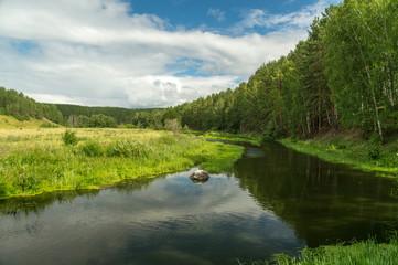 река с лугом и лесом летом, Россия, Урал