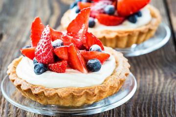Fruit dessert tarts
