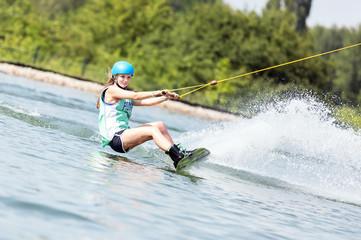 Frauen-Fitness beim Wassersport