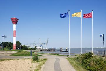 Nordenham, Leuchtturm und Hafen