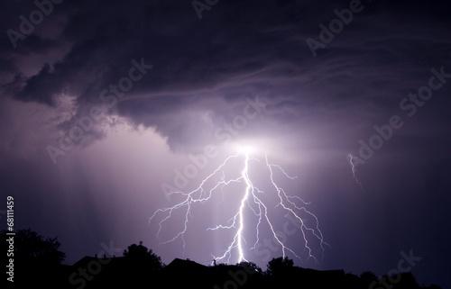 Lightning - 68111459