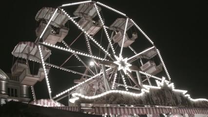 Riesenrad auf dem Weihnachtsmarkt Dresden