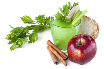 Antioxidant juice made from celery, apples and cinnamon