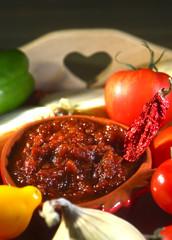 Relish tomato.