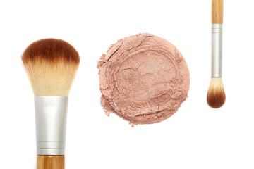 Mineral makeup powder with brush