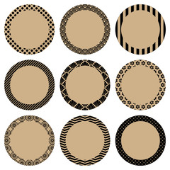 Retro Pattern Round Label Beige/Black