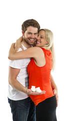 Glückliches Paar während der Schwangerschaft