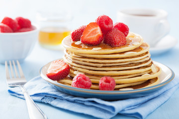 pancakes with berry and honey