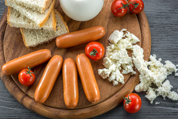 Milk sausages with cherry and cottage cheese