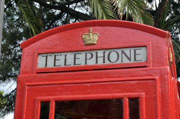 Parte alta di una classica cabina telefonica londinese