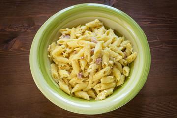Penne alla carbonara, pasta italiana