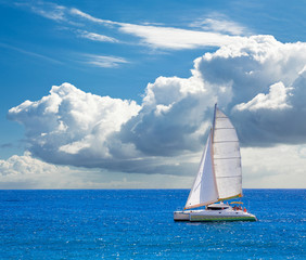 catamaran à voile pour balades en mer