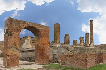 Pompeii columns