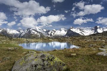 Kleiner Bergsee in Südtirol, Italien