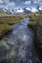 Bergbach in den südtiroler Alpen, Italien