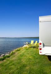 Reisemobil am See
