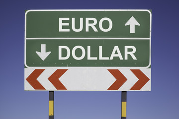 EUro up, Dollar down