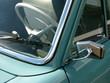 Blick in den Innenraum einer Limousine der Fünfziger Jahre
