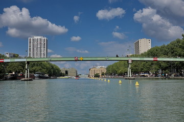Canal parisien