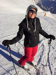 Skieuse heureuse