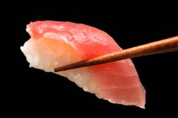 マグロ 赤身 寿司 sushi 黒背景