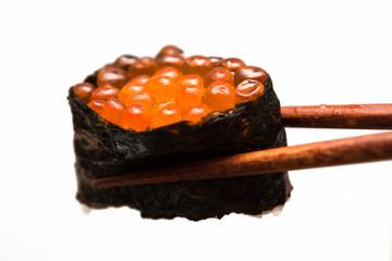 いくら 寿司 sushi salmon roe 白背景
