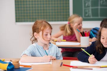 grundschüler im unterricht