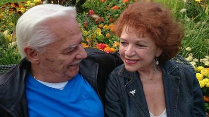 Senioren glückliches älteres Ehepaar