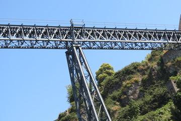 Portugal - Porto - Un des piliers du pont Dom-Luis
