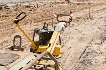 Strassenbau - Viel Arbeit für die Jungs mit dem Sandrüttler