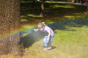 Девочка и радуга