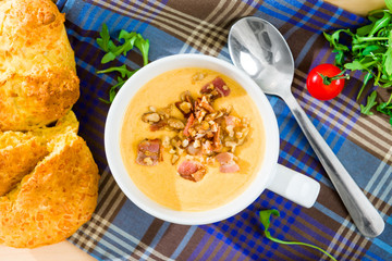 Pumpkin porridge with bacon