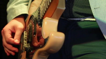 guitarist hands