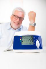 anzeige eines blutdruckmessgerätes