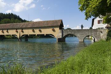 Historische Brücke zur Klosterinsel Rheinau