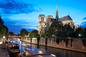 Notre Dame de Paris at night with river view