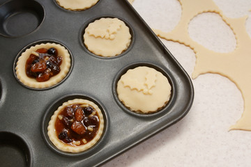 Process of making mince pies