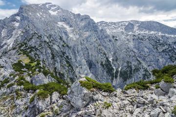 Gipfel und Felsen