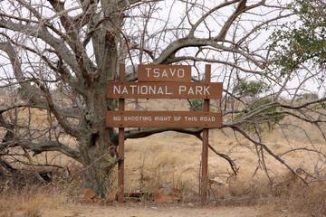 Cartello del parco nazionale dello Tsavo in Kenya