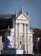 statua gigante