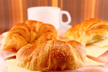 Snack Croissants with Ham and Cheese