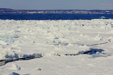 SEA SURFACE ice patch 流氷原 北海道流氷