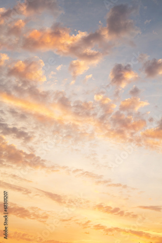 canvas print picture Sonnenaufgang bei Gewitter als Hintergrund in Orange
