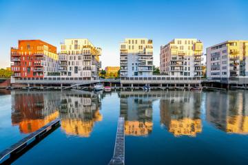 Moderne Architektur, Leben am Wasser