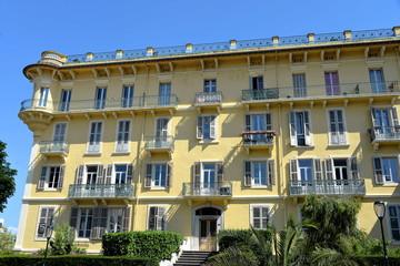 Alte Bäderarchitektur in Aix-les-Bains