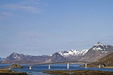 Brücke bei  Henningsvaer;
