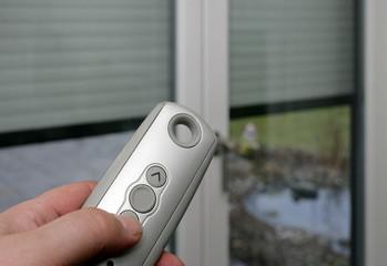 Ferngbedienbare Fensterrolladen mit Funksteuerung